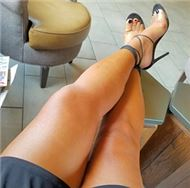 Bon ladies who have beautiful legs